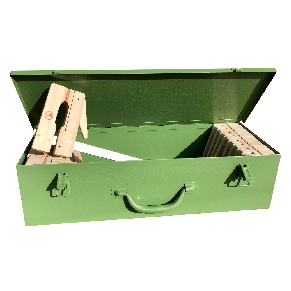 ULMIA Montage-Box mit 16 Leimzwingen in Frontansicht