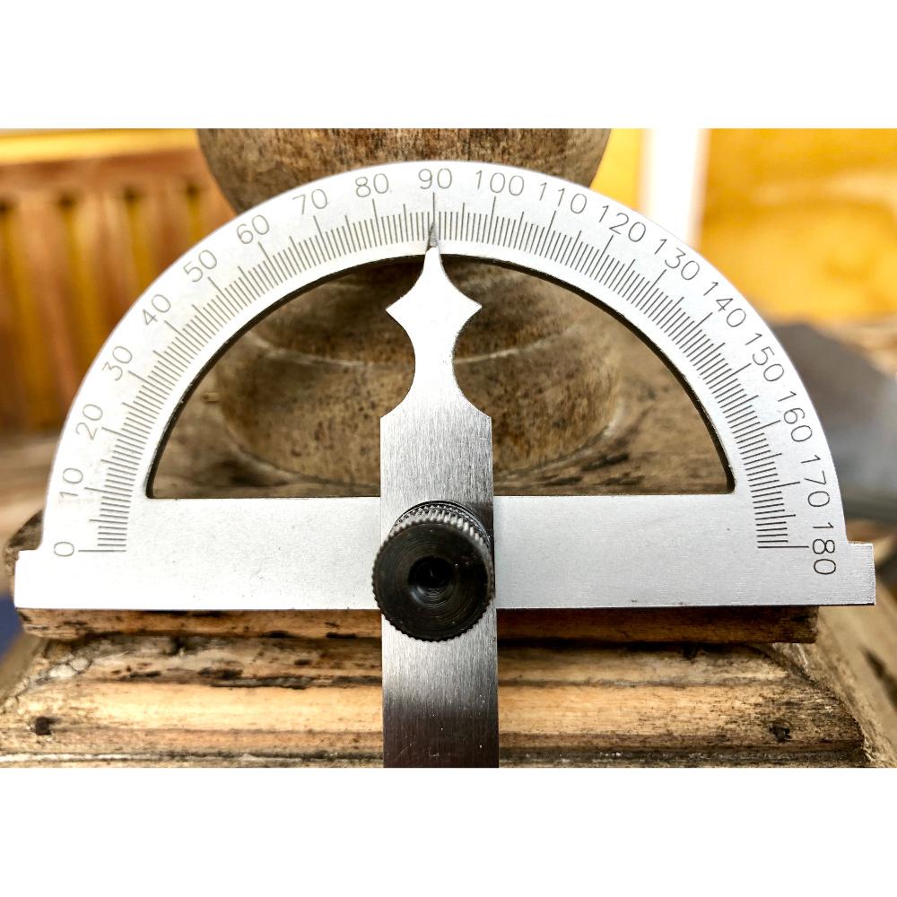Winkelmesser Gradmesser in Nahaufnahme